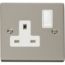 Click VPPN035WH 1 Gang 13A DP Switched Socket Outlet