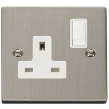 Click VPSS035WH 1 Gang 13A DP Switched Socket Outlet