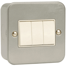 Scolmore Click Metalclad 10Amp 3 Gang 2 Way Switch.
